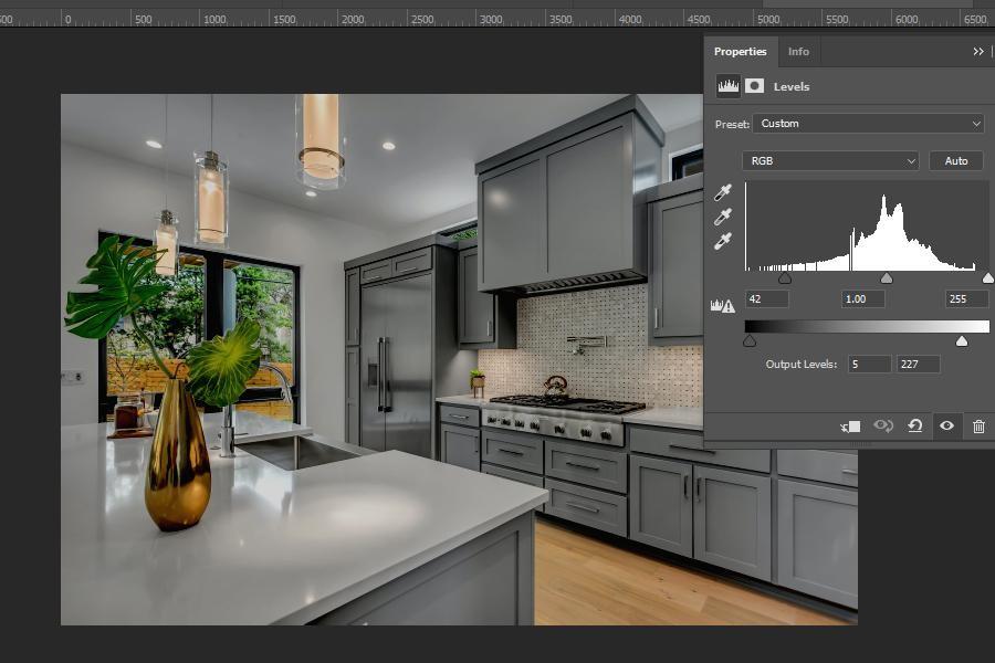 Adjusting an image using the Levels Adjustment Layer