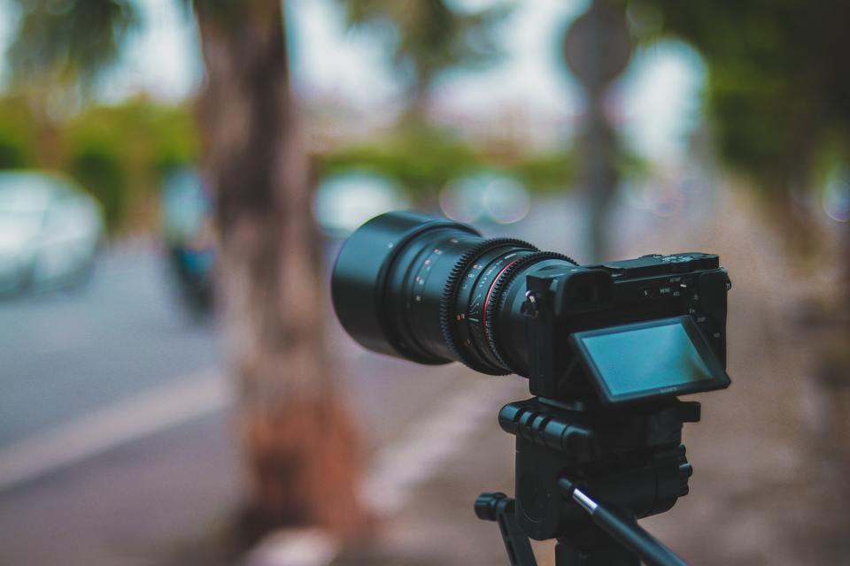 Selective focus of DSLR camera